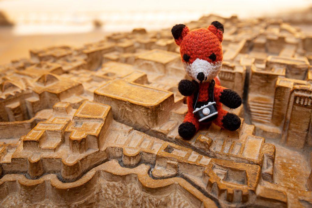 Wir besichtigen das gleichnamige Fort, welches das weltweit größte seiner Art ist. Seine Mauern erzählen endlose Geschichten blutiger Kämpfe.