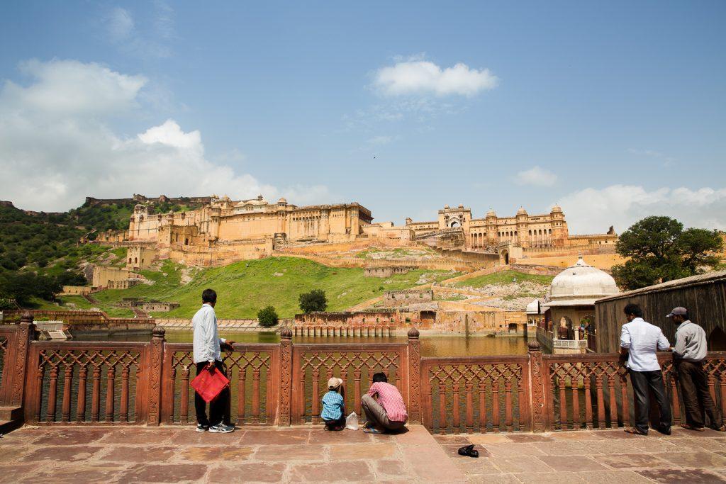 Wir gehen gemeinsam auf Fotostreifzug durch das Amber Fort auf den Arvali Hills – ein beeindruckendes Beispiel mittelalterlicher Hindu-Architektur.