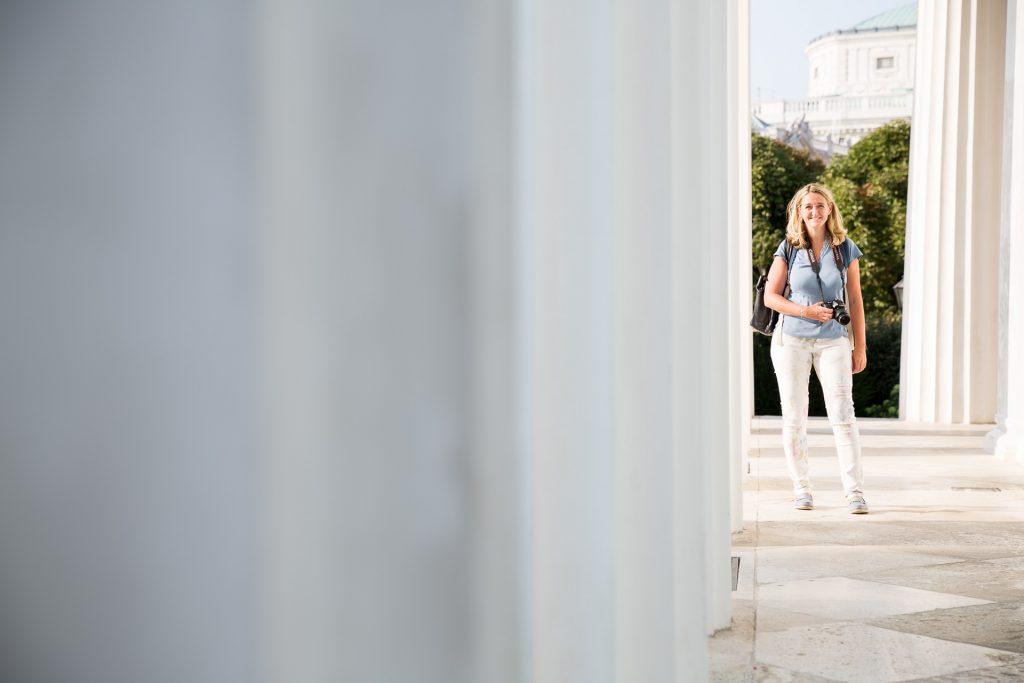 Lerne beim Fotokurs Wien mal anders spannende Portraits zu fotografieren.
