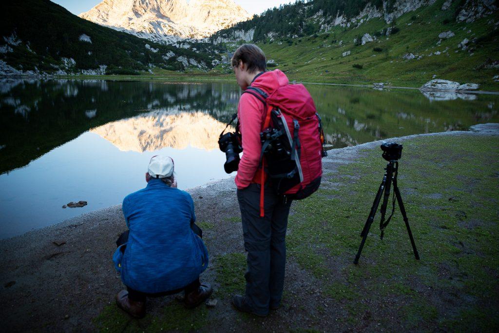 Beim Wander-Fotokurs im Salzkammergut zeigen dir zwei Profi Fotografinnen wie deine Fotos noch besser werden.
