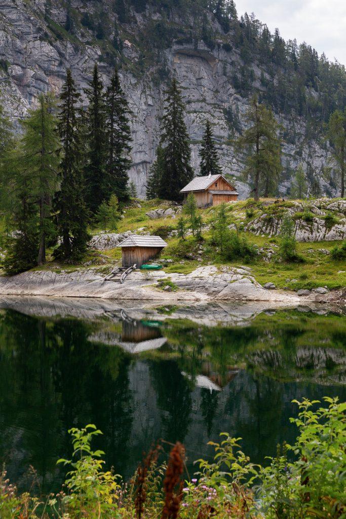 Gut gestärkt streifen wir an den Seen vorbei und nutzen die Spiegelungen und die besondere Farbe der Seen für ausgefuchste Landschaftsfotos.