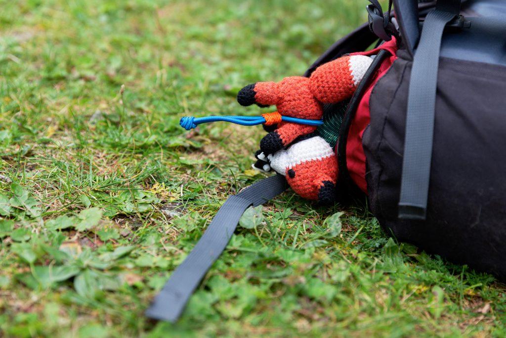 Am nächsten Morgen geht es fit wieder hinunter ins Tal. Finn hat sich wohl den besten Platz bei diesem Fotokurs gesichert.
