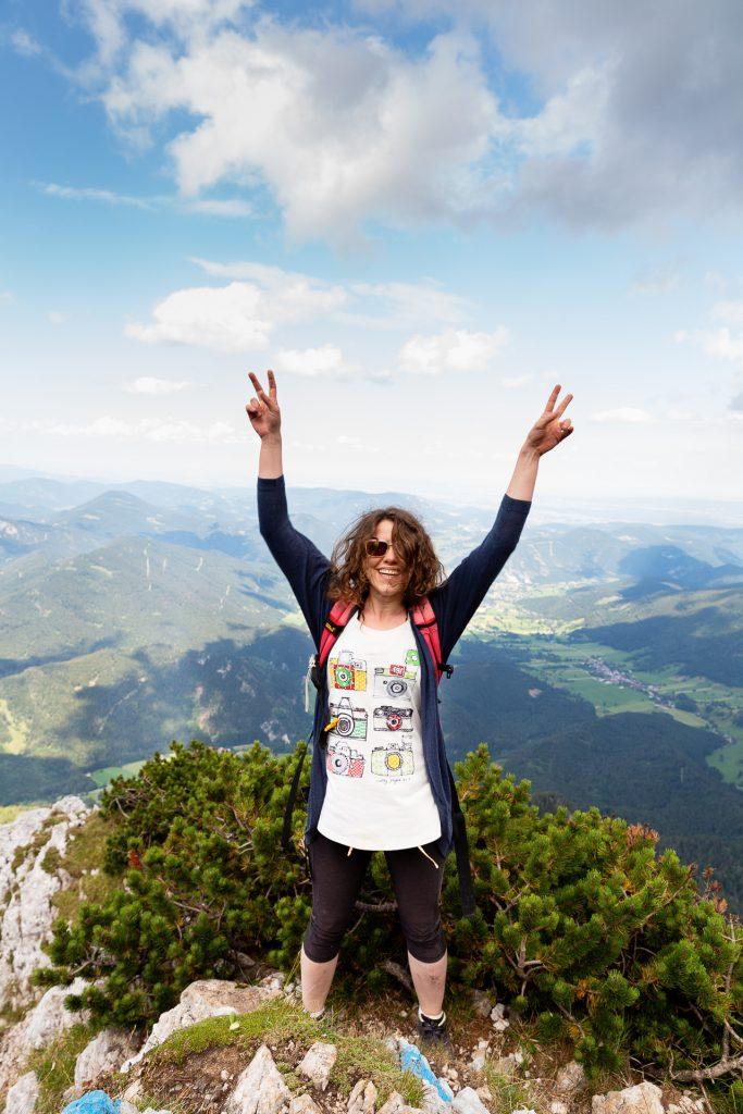 Nach 851 Höhenmetern ist es soweit und wir haben das Plateau des Schneeberg erreicht.