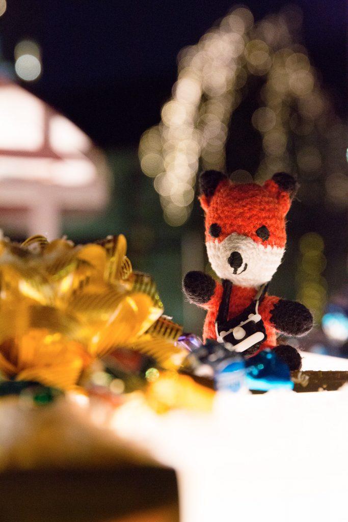 Lichteffekte und kleine Objekte am Weihnachtsmarkt gekonnt in Szene setzen.