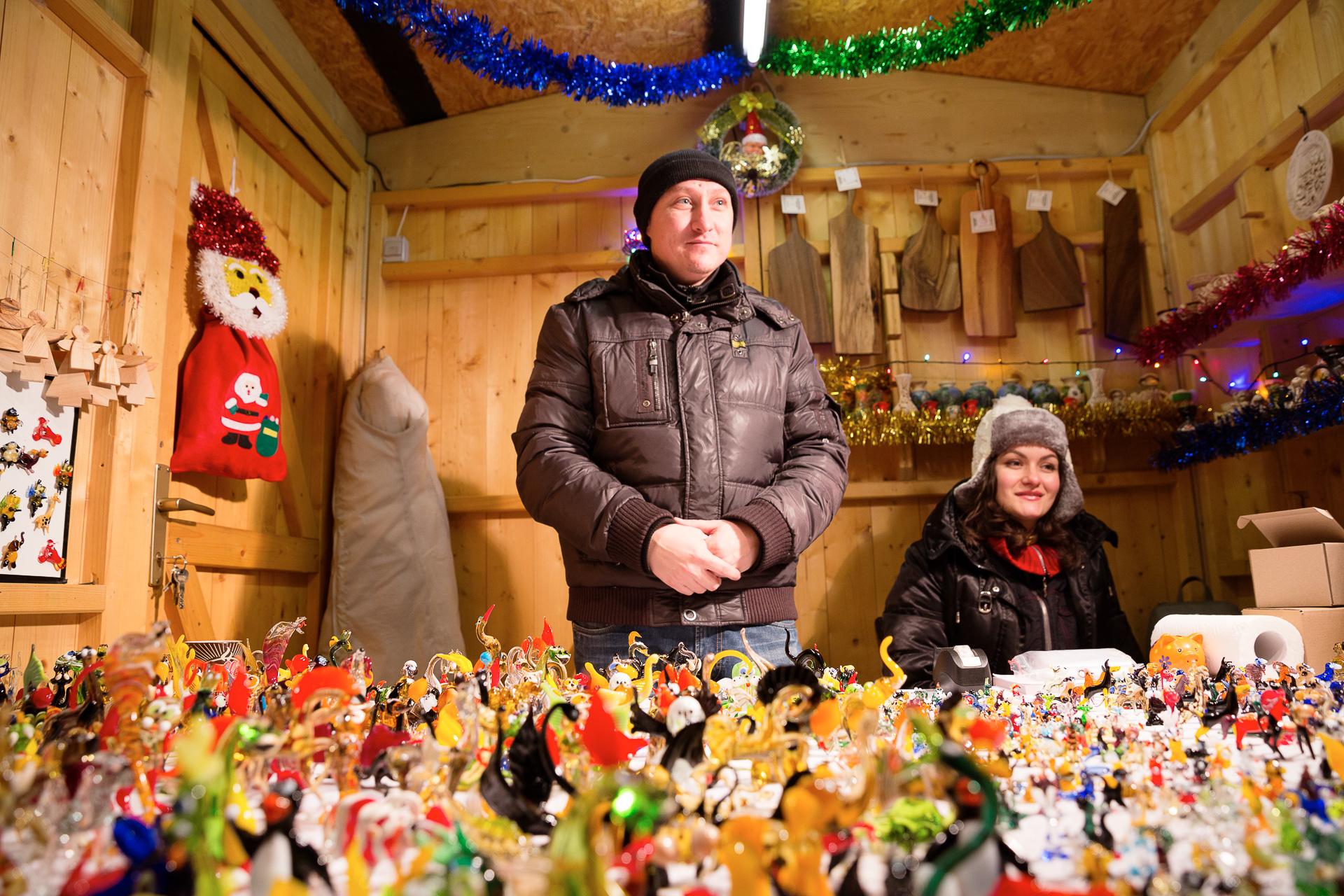Lerne mit einem Perspektivenwechsel und einem Vordergrund, wie du deine Fotos am Weihnachtsmarkt noch spannender gestaltest.