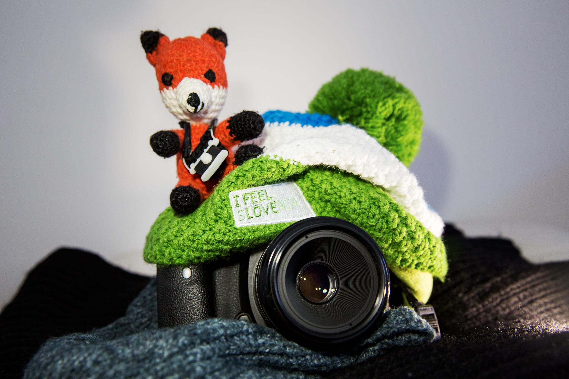 Pack dich und dein Equipment beim Fotografieren im Winter warm ein.