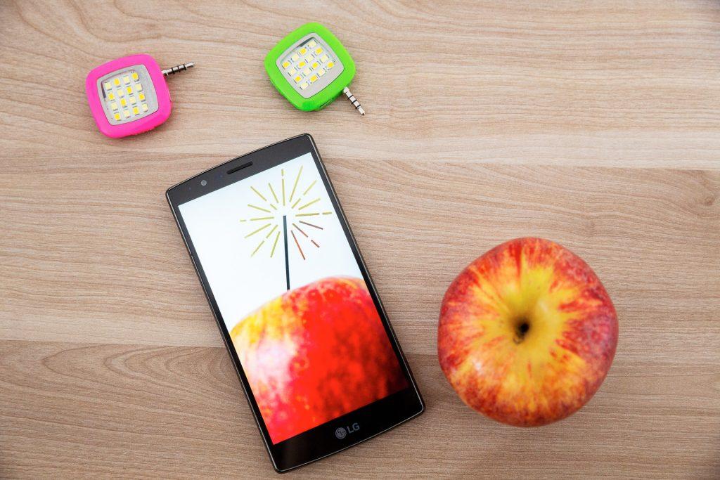 Beim Fotokurs für Unternehmer kannst du auch mit deiner Handy-Kamera mitmachen.