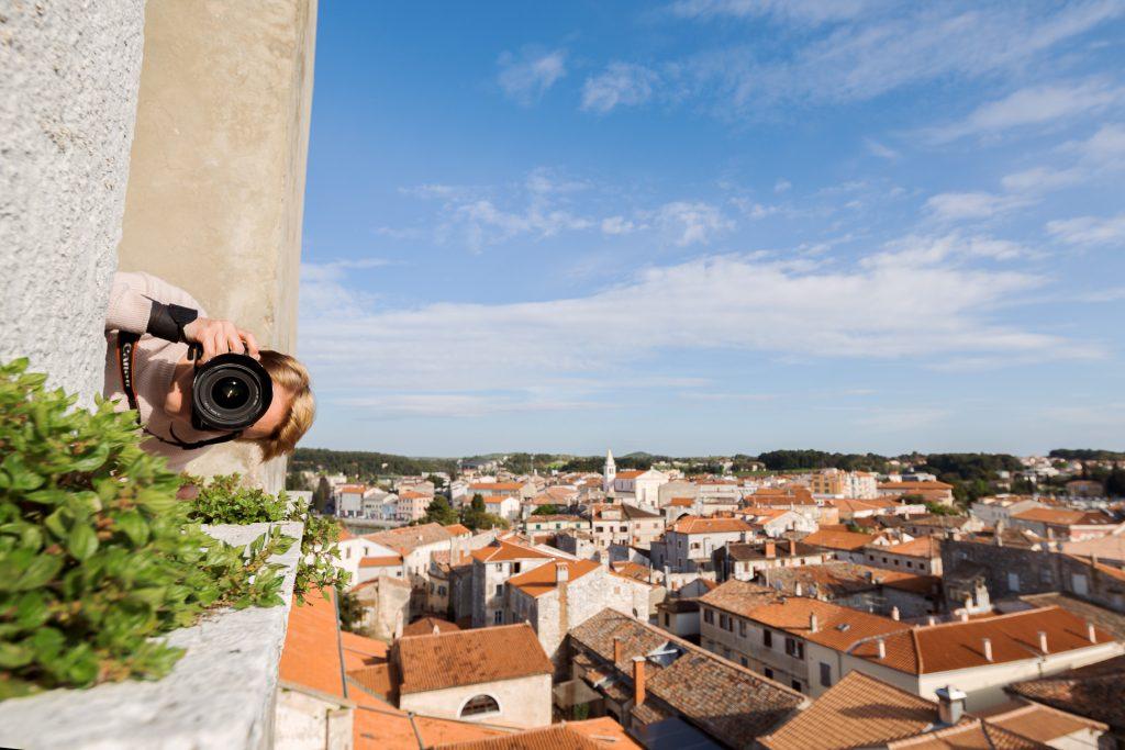 Lerne die Kameratechnik zu meistern und behalte fotografisch den Überblick.