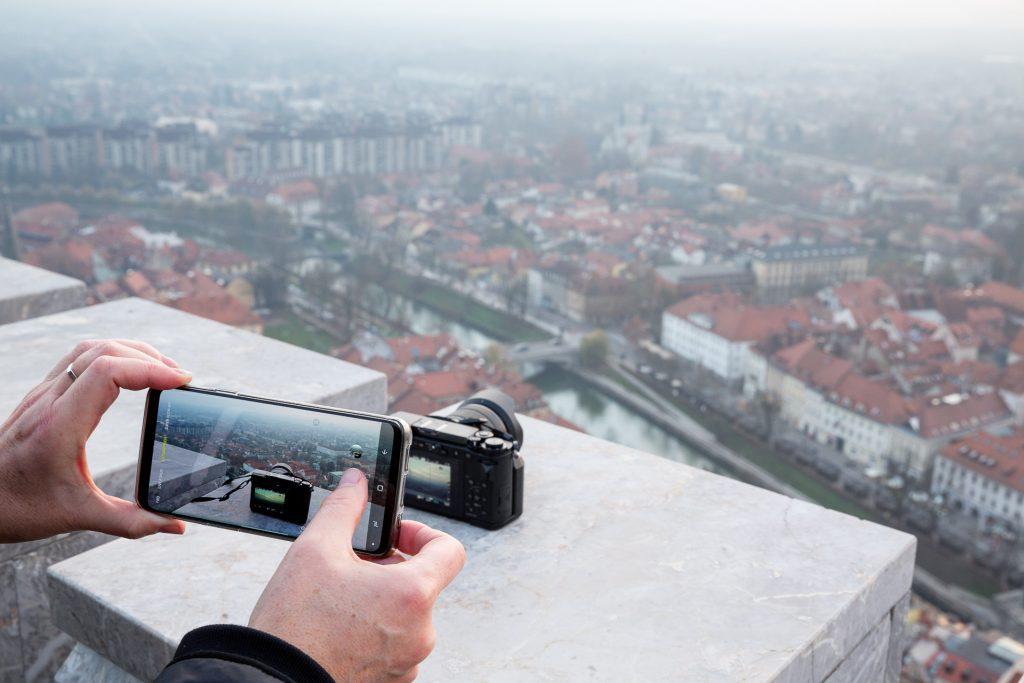 Bei der Fotoreise Ljubljana kannst du mit mit deiner Kamera und auch mit deiner Handy-Kamera teilnehmen.