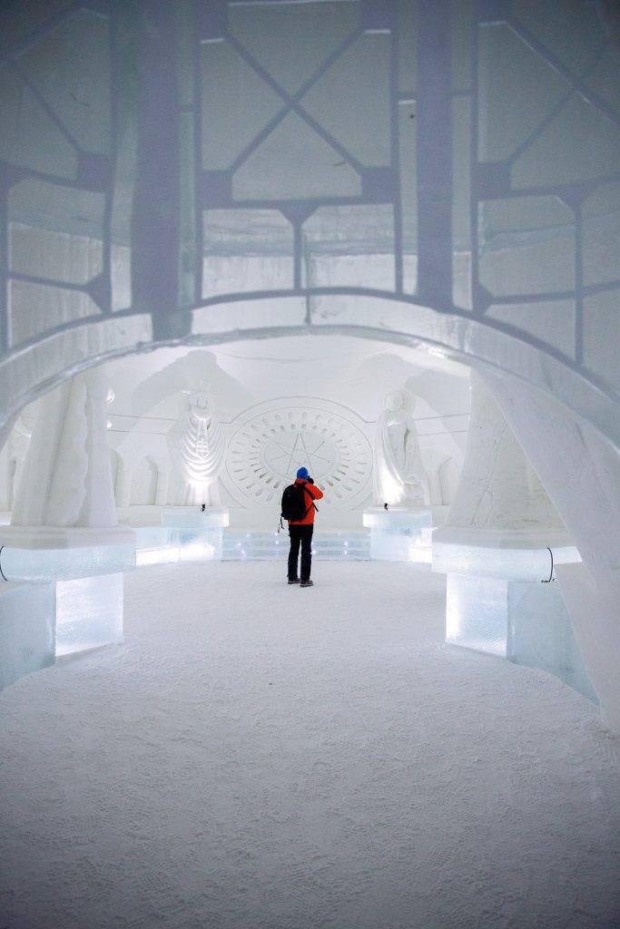Bei unserem Tagesausflug ins Lainio Snow Village erwartet dich eine zauberhafte Welt aus Eis und Schnee.