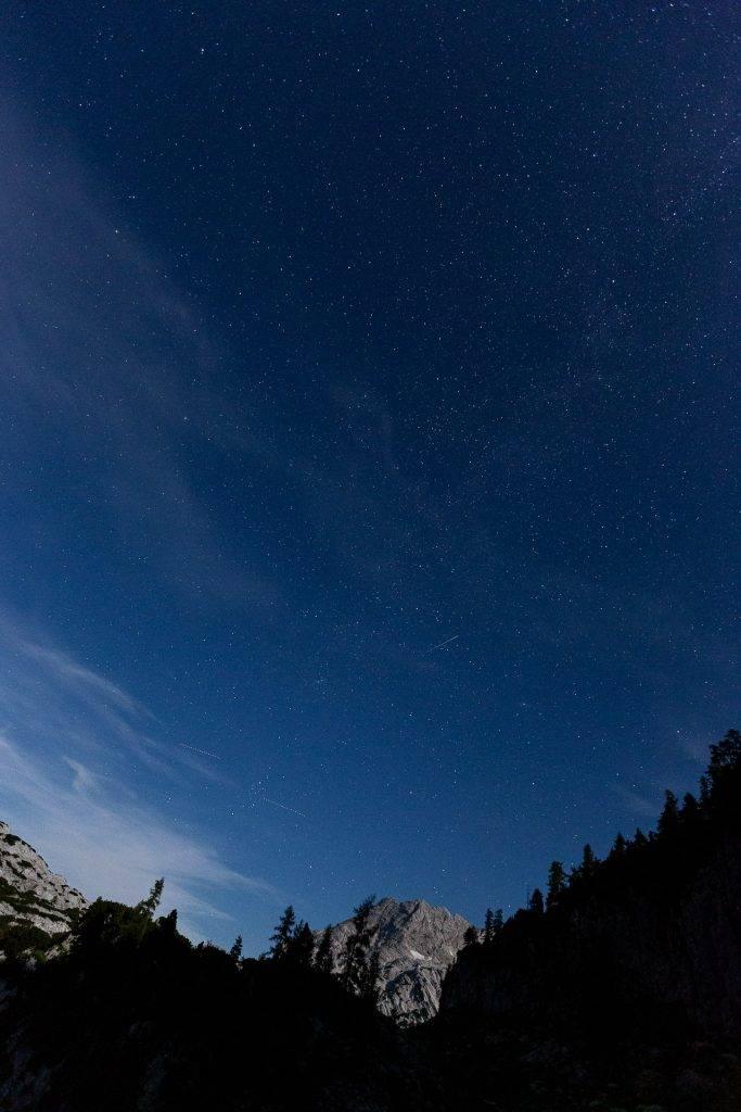 Such dir für deine Fotos vom Sternenhimmel einen ausgefuchsten Vordergrund.