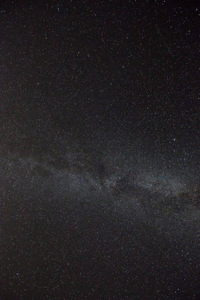 Die Milchstraße pur. Ohne Größenvergleich. Ziemlich langweilig, oder?