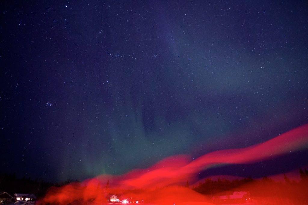 Nutze für ausgefuchste Licht-Effekte bei Langzeitbelichtungen des Sternenhimmels lieber deine Stirnlampe.