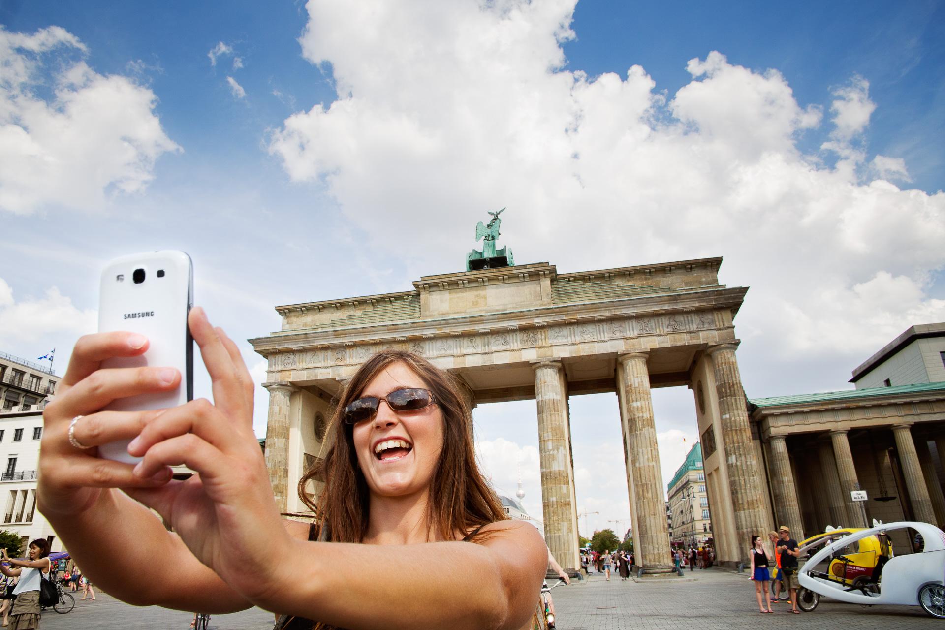 Erlebe die bunte Hauptstadt Deutschlands abseits der ausgetretenen Touristenpfaden zu den schönsten Lichtstimmungen des Tages.
