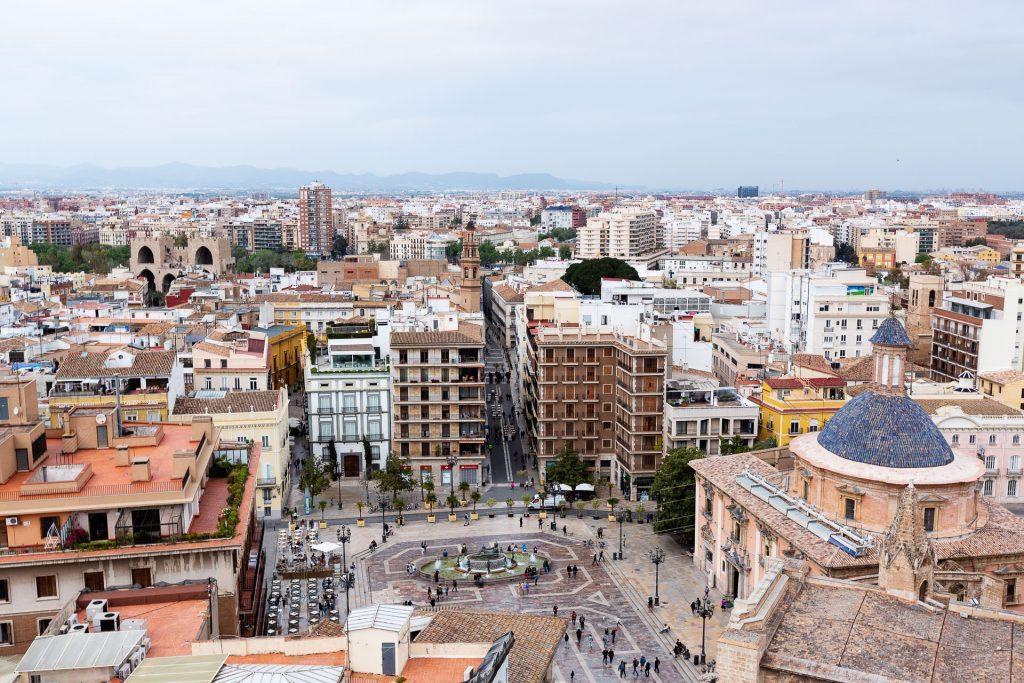 Über den Dächern Valencias. Am höchsten Punkt der Kathedrale lässt es sich für viele ausgefuchste Fotos gut verweilen