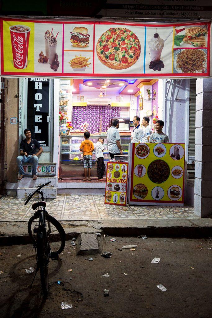 Wenn Werbung täuscht. Auch in diesem Restaurant gab es ausschließlich indisches Essen.