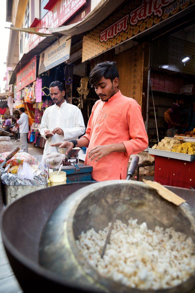 Lust auf Popcorn? Auf Indiens Straßen finden alle das Richtige.