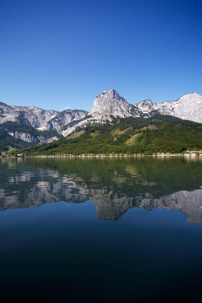 DIE FOTOFÜCHSE Foto Locations Salzkammergut. Fotografiere die Spiegelung des Toten Gebirges im Grundlsee.