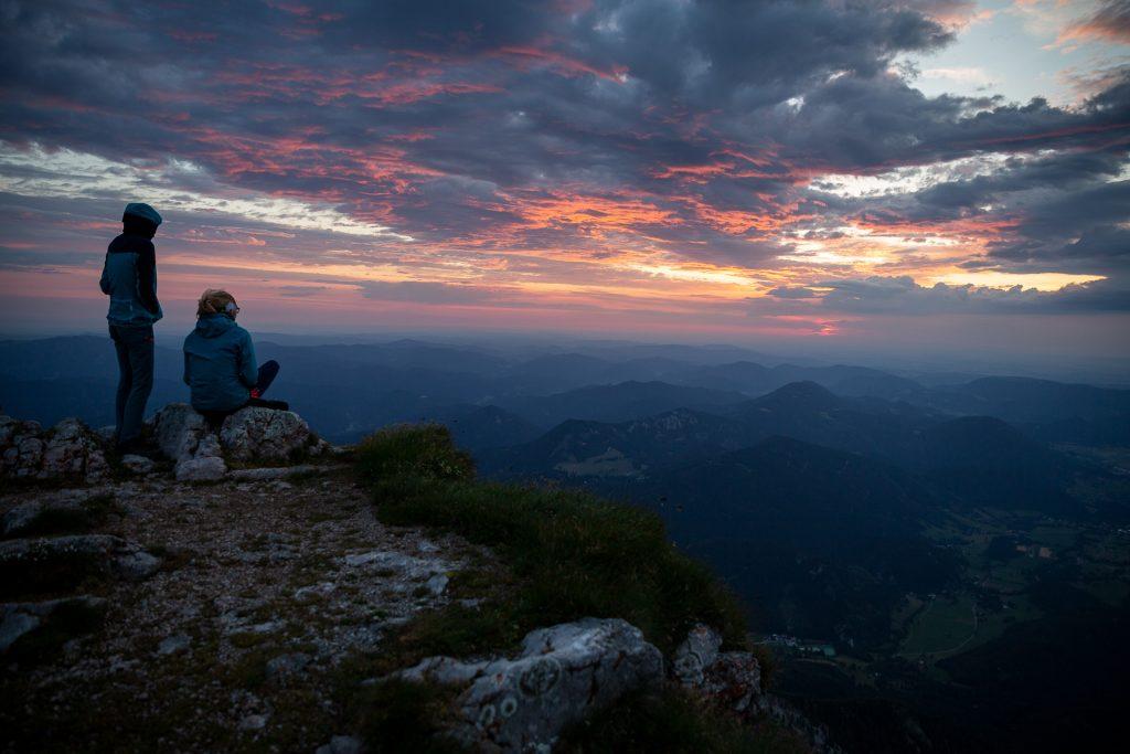 Bei unserem Wander-Fotokurs auf den Schneeberg fotografieren wir bei allen Lichtstimmungen des Tages.