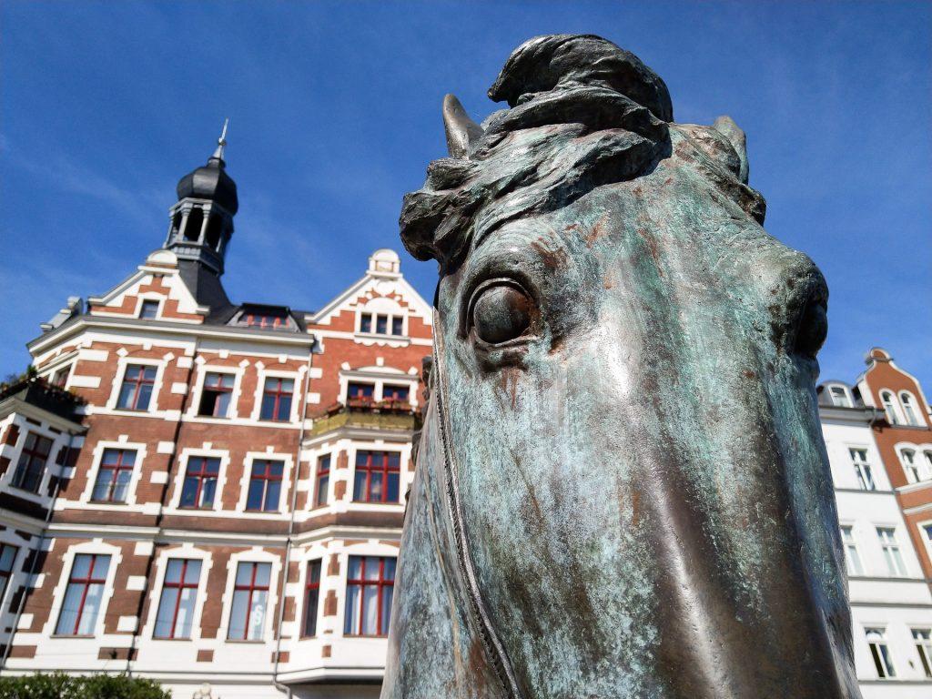 Bei unserem Fotokurs in Köpenick streifen wir mit dir und deiner Kamera auf Pirsch nach Motiven durch die Köpenicker Altstadt.