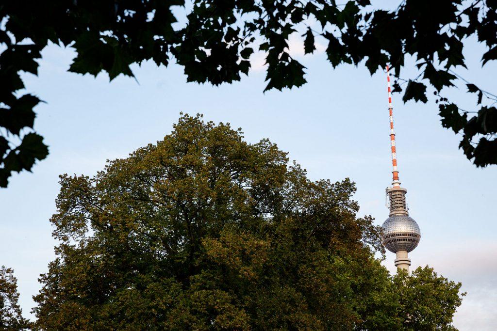Komm mit uns beim Fotokurs Ausgefuchste Straßenfotografie Berlin auf Fotostreifzug mit dem Schwerpunkt Fotografie in der Stadt.