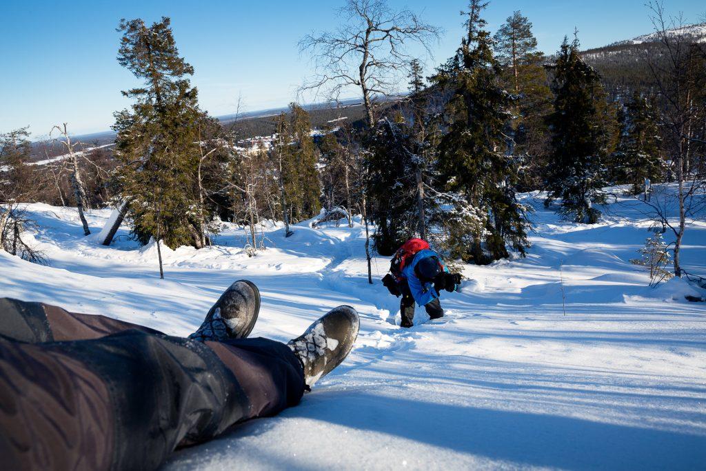 Wir stellen dir unser neues, besonderes Fotoreise Programm vor. In der Weite des Winterwunderzaubers in Finnland ist Platz für ausreichend Abstand.