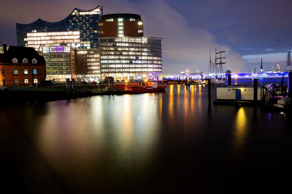 Test deine Handykamera. Im Hamburger Hafen lernst du das Beste aus deinen Handyfotos herausholen kannst.