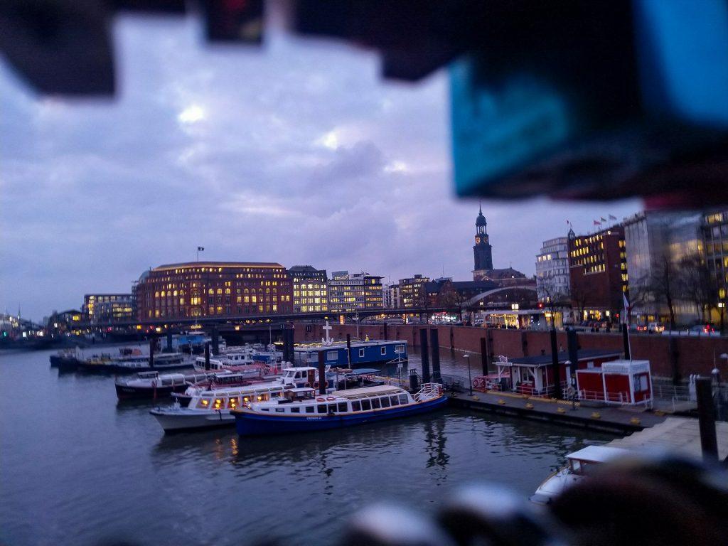 Komm mit bei unserem Fotokurs Ausgefuchste Handyfotos Hamburg. Lerne alles Wissenswerte über die Smartphone Fotografie.