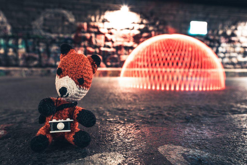 Bei unserem Fotokurs Lichtmalerei für Einsteiger in Wien zeigt dir Finn die ersten Schritte in der Welt des Lightpaintings.